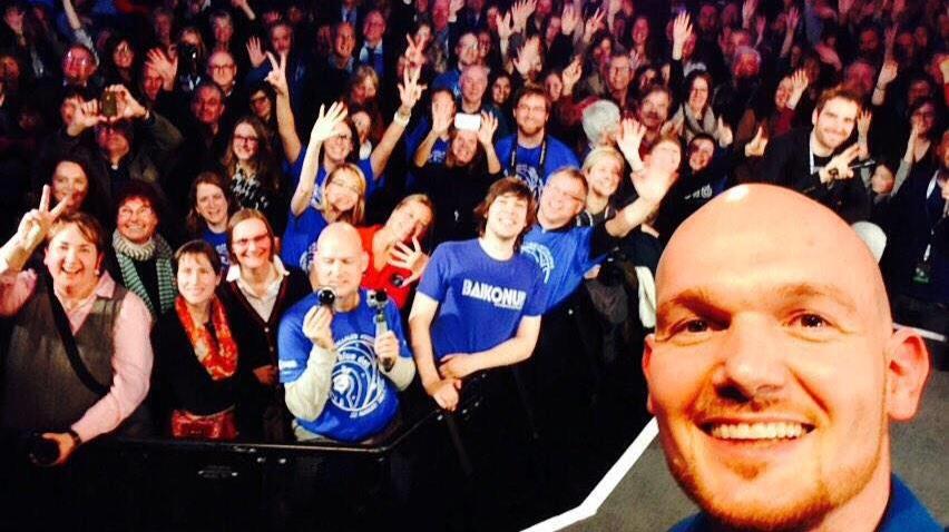 Selfie mit Alexander Gerst die Zweite - diesmal auf der Erde