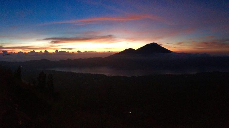 Der Sonnenaufgang deutet sich an