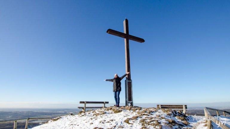 Das Gipfelkreuz auf dem Rodenstein ist erreicht!